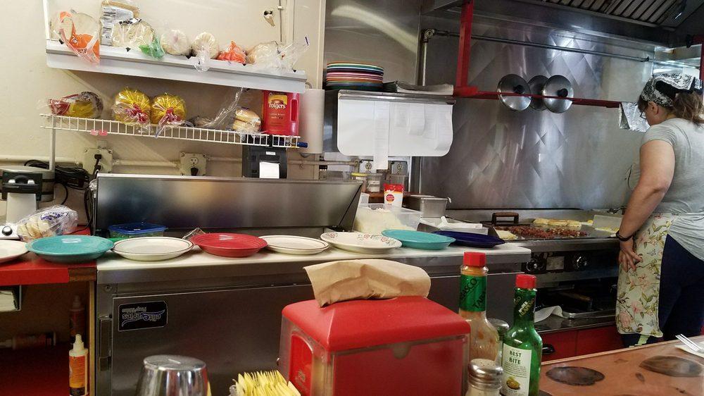 Woods Bay Grill: 14509 Hwy 35, Bigfork, MT