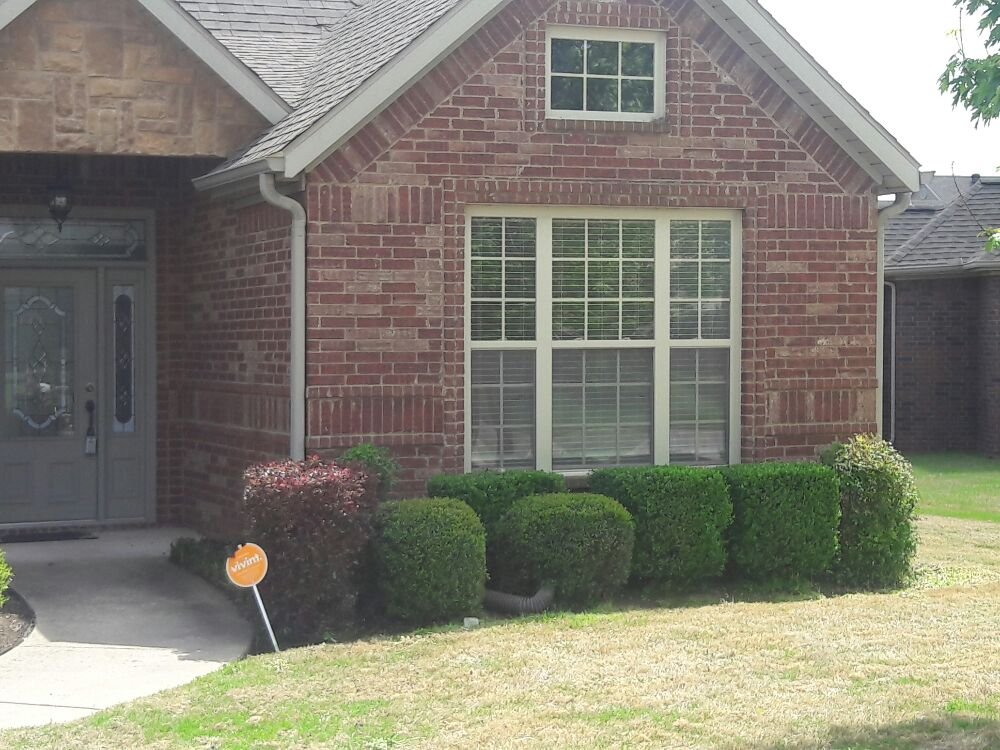 Rod's Lawn Care & Property Clean-up Service: 13024 Red Oak Ln, Rogers, AR