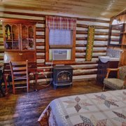 Log Cabin Motor Court 49 Photos 18 Reviews Vacation