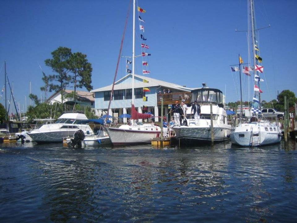 Hernando Beach Yacht Club: 4163 Shoal Line Blvd, Hernando Beach, FL