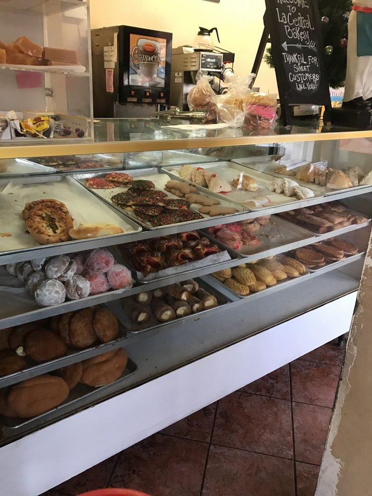 La Central Bakery/Panaderia: 764 W La Habra Blvd, La Habra, CA