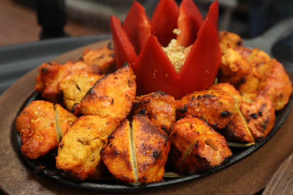Mina's Grill & Kabab: 13825 Outlet Dr, Silver Spring, MD