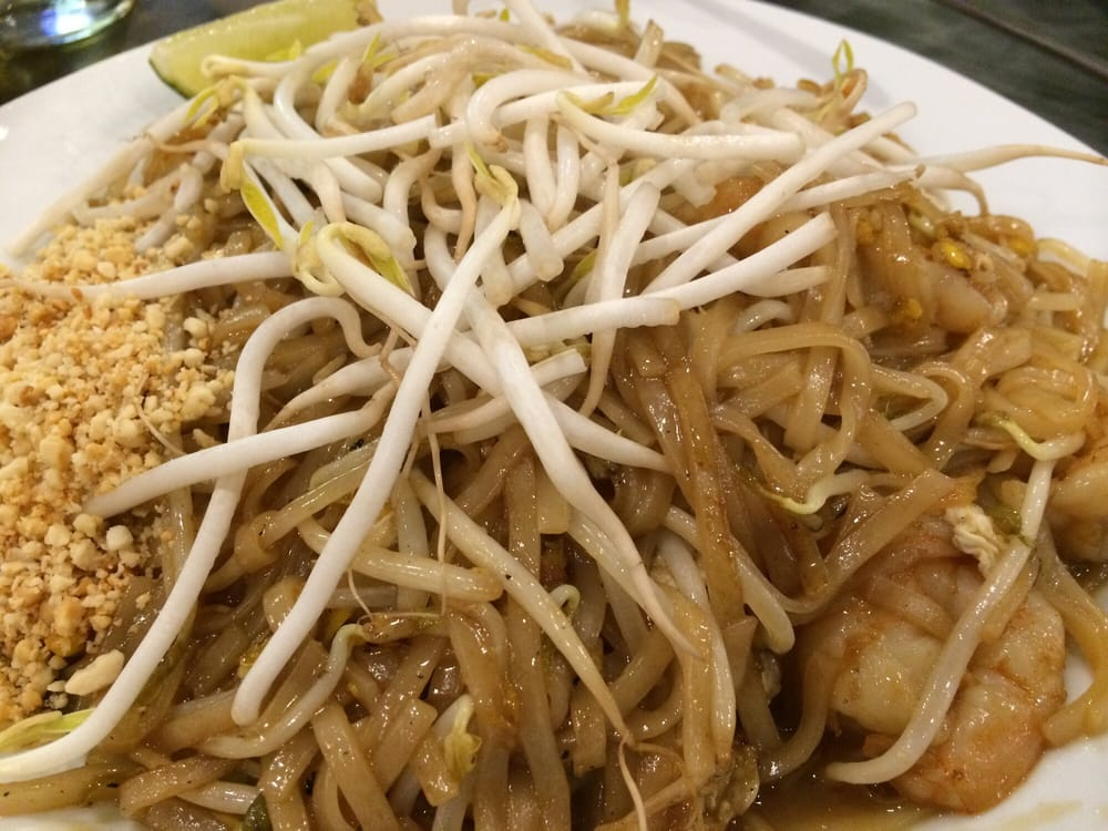 pad thai w shrimp too sweet and lacked spark flavor yelp. Black Bedroom Furniture Sets. Home Design Ideas