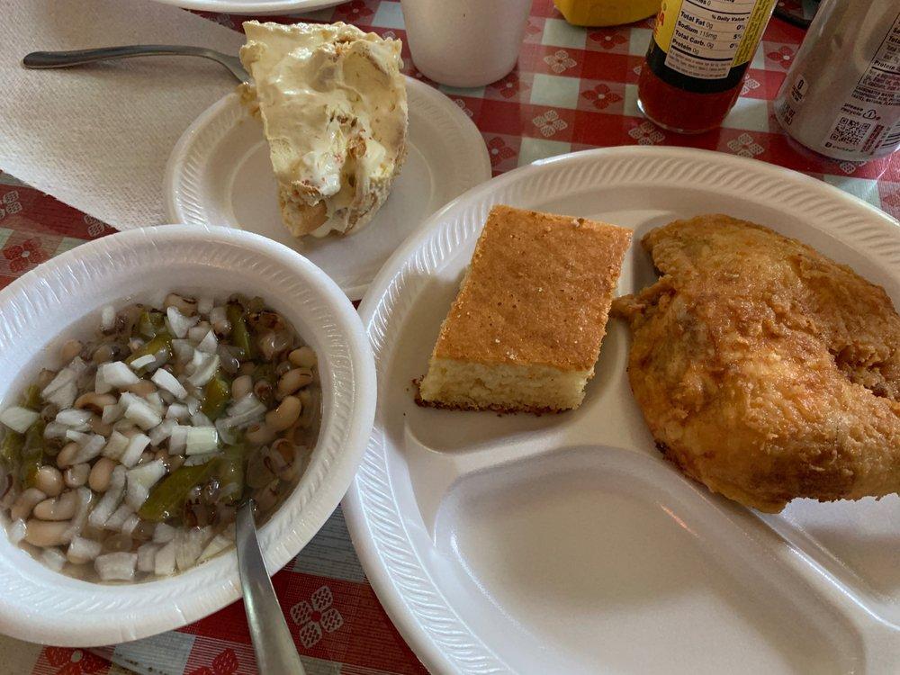 Lockett's Kuntry Cooking: 443 Main St, Culloden, GA