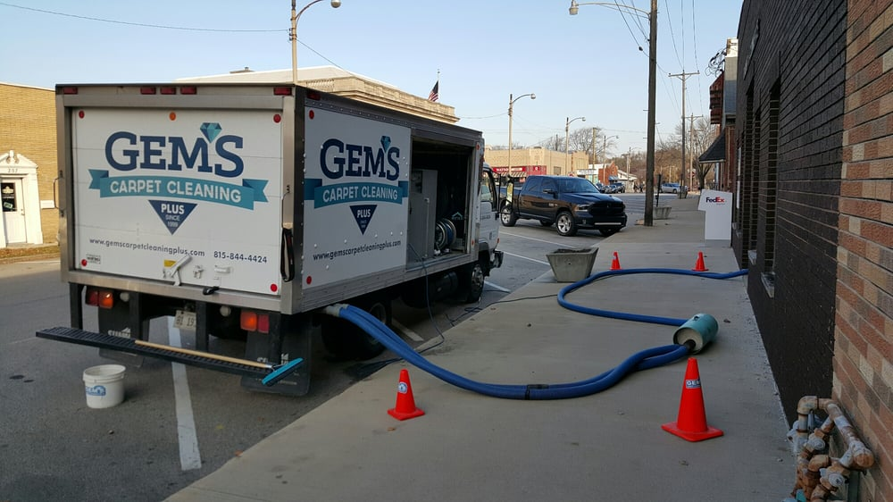 Gem's Carpet Cleaning Plus: Pontiac, IL