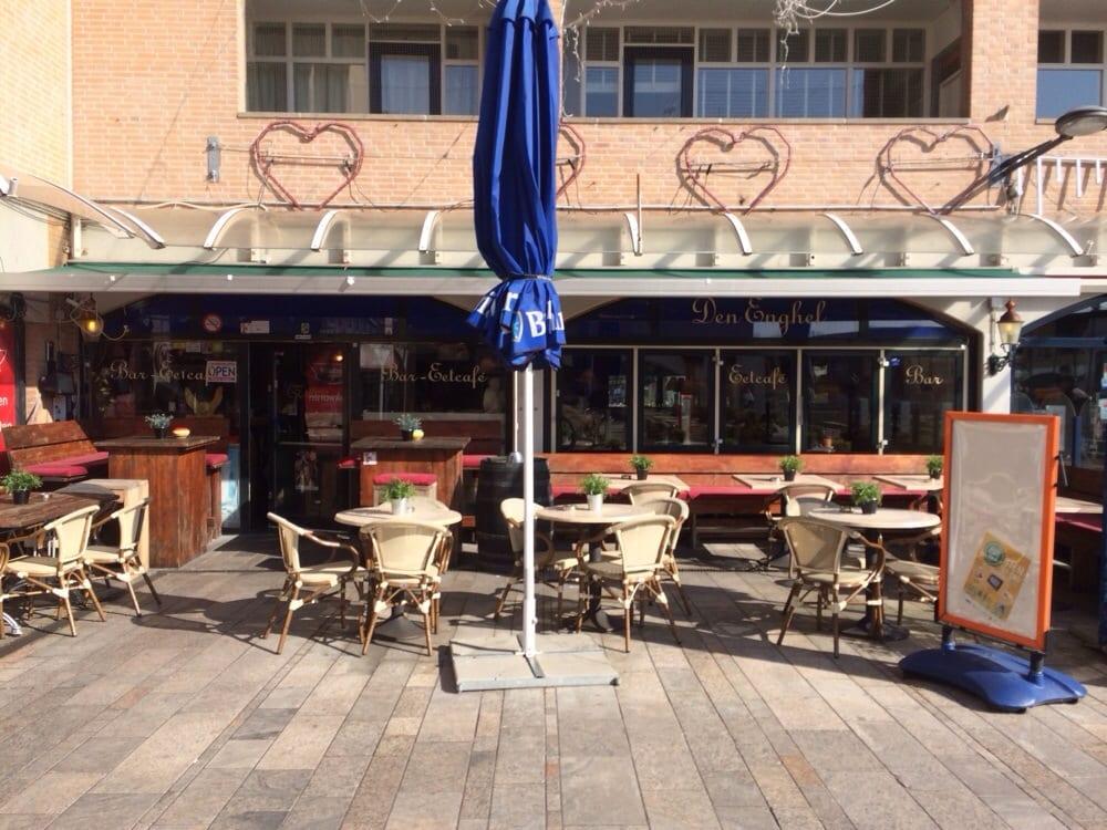 Bar Eetcafé Den Enghel: Zadelmakerstraat 57, Almere, FL