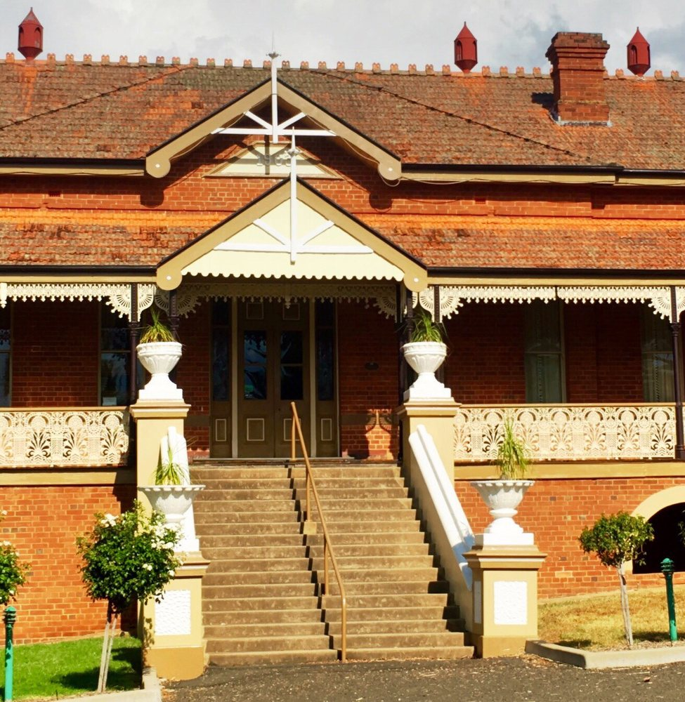Hermitage Hill Country Retreat & Function Centre