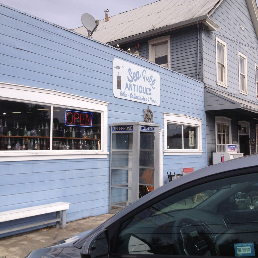 Seagull Antiques Gifts & Collectibles: 17190 Bodega Hwy, Bodega, CA