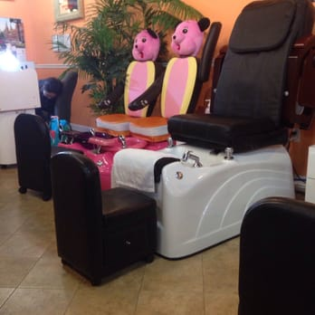 Peachy Kid Friendly Pedicure Chairs Yelp Ibusinesslaw Wood Chair Design Ideas Ibusinesslaworg