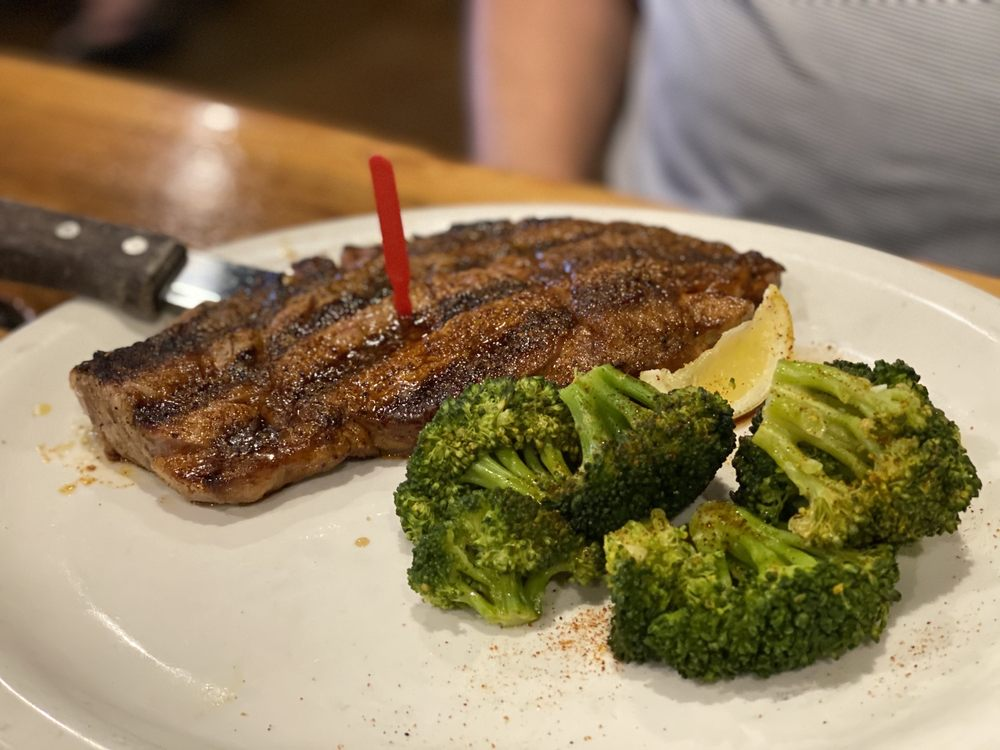 XIT Woodfire Grill: 119 Cypress Rd, Dalhart, TX