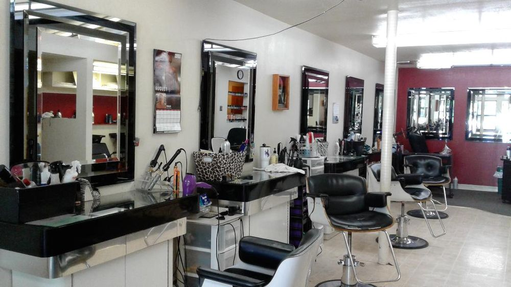 Maneline Hair & Nail Design: 985 Shoshone Ave, Lovell, WY