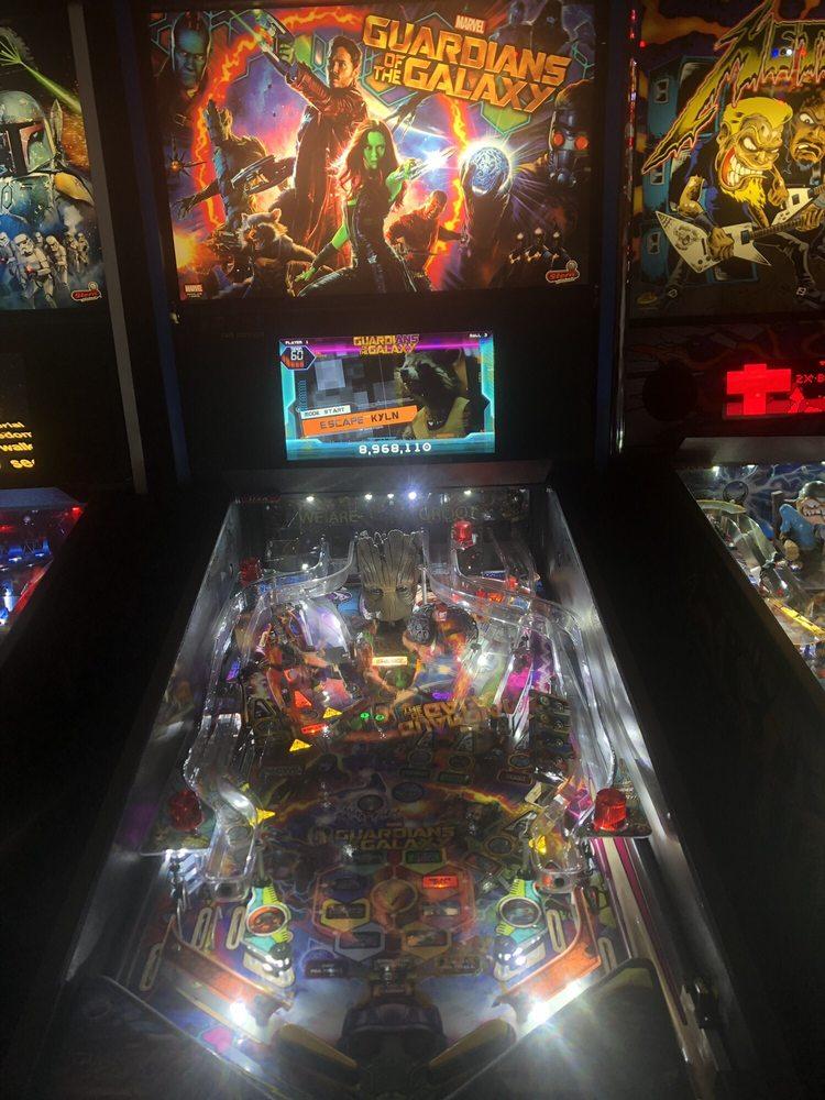 Analog II Arcade Bar: 1405 5th Ave, Moline, IL