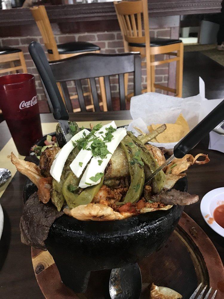 Guacamoles Bar & Grill: 165 Outlet Center Dr SE, Calhoun, GA