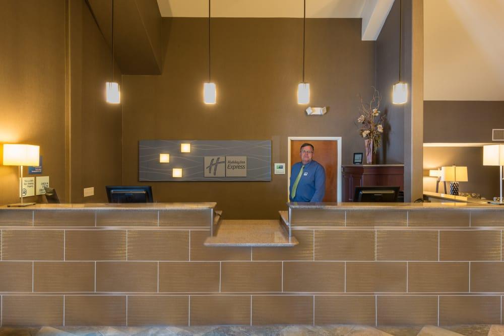 Holiday Inn Express & Suites Wheat Ridge-Denver West - Wheat Ridge