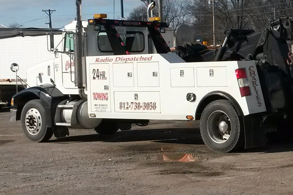 Towing business in Blue River, IN