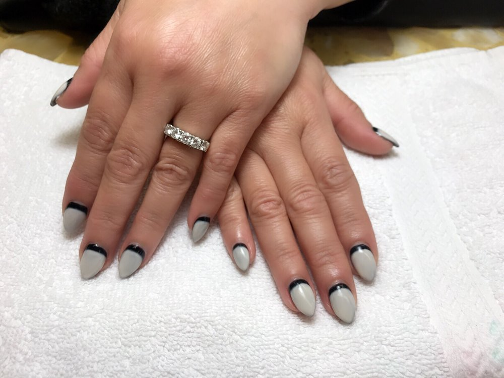 I\'m in love with the nails jennifer did for me so pretty and ...