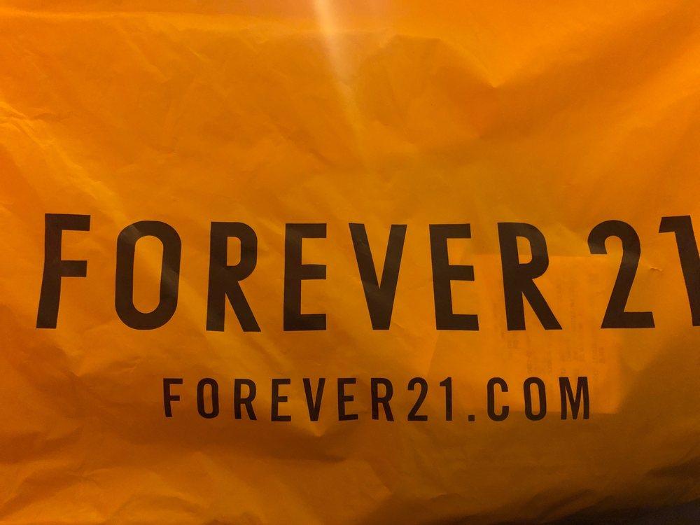 Forever 21: 21100 Dulles Town Cir, Dulles Town Center, VA