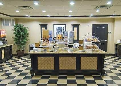 Hampton Inn & Suites Decatur: 110 S US Highway 287, Decatur, TX