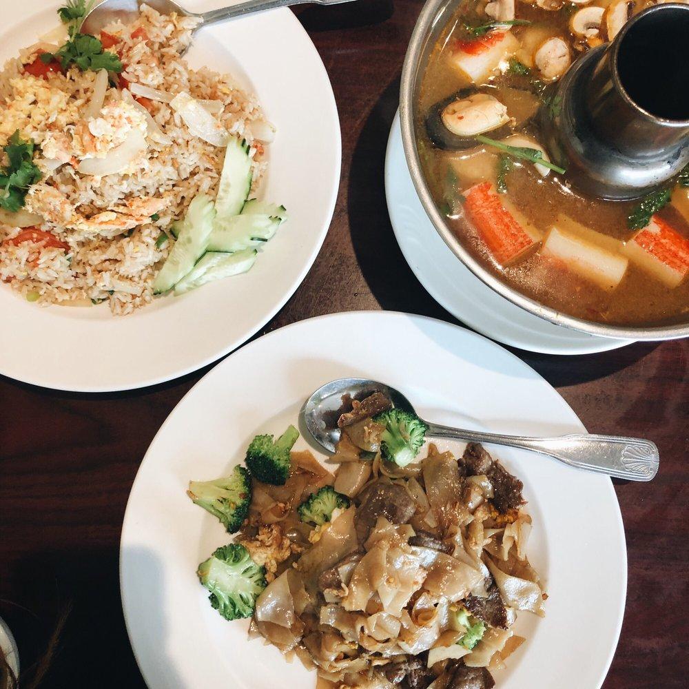 Sweety Hut Thai Restaurant: 1215 S Glendora Ave, West Covina, CA