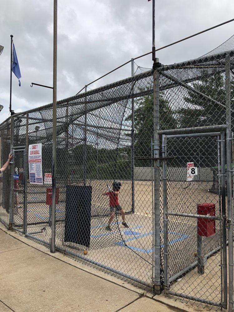 Swing-A-Round: 3541 Veterans Memorial Pkwy, Saint Charles, MO