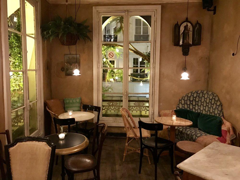 Maison sauvage 11 photos wine bars 5 rue de buci - Maison de l islande paris ...