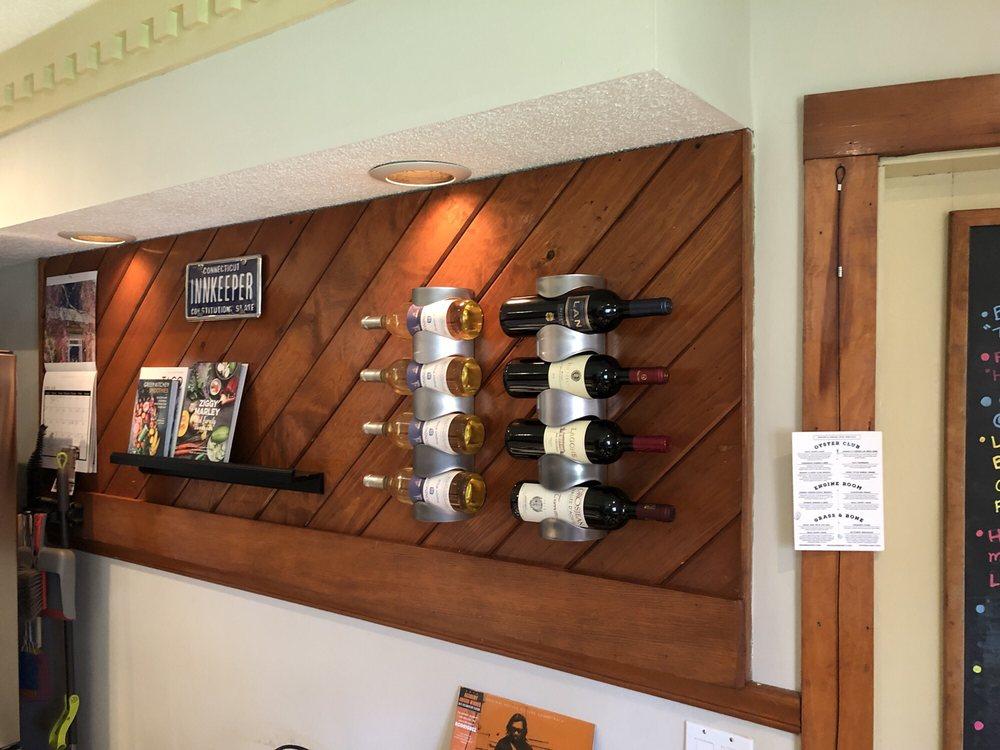 Abbey's Lantern Hill Inn: 780 Lantern Hill Rd, Ledyard, CT