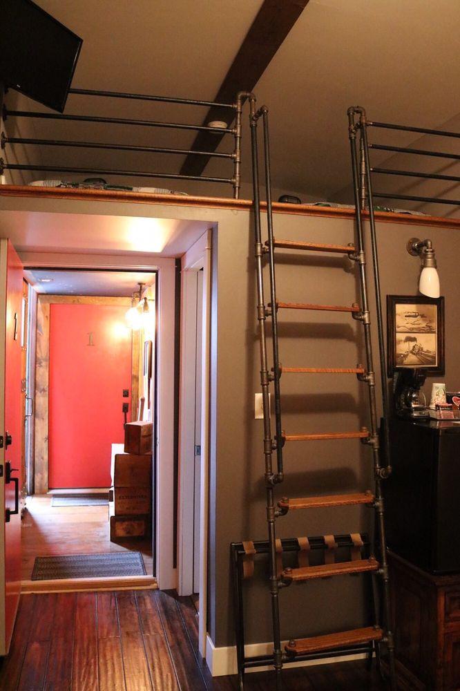 Riley's Railhouse: 123 N 4th St, Chesterton, IN