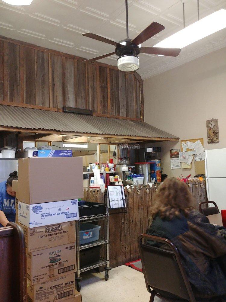 Main Street Cafe: 1023 Main St, Matador, TX