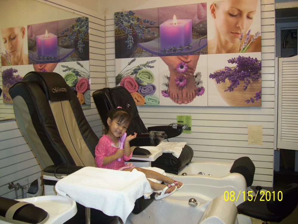 Colorful Nails: 1300 9th Ave SE, Watertown, SD