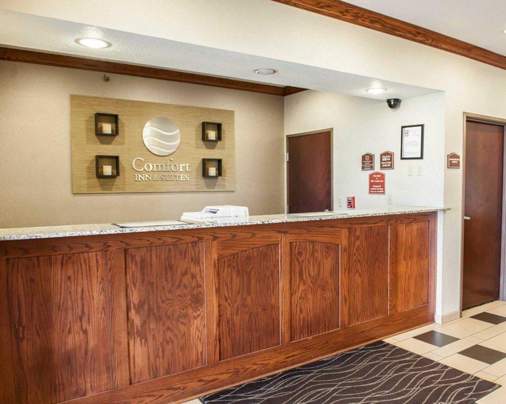 Comfort Inn & Suites: 3400 N Marleon Dr, Muncie, IN