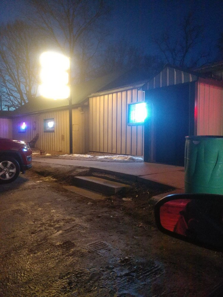 Rite Spot Bar & Grill: 10076 State Highway 16, Sparta, WI