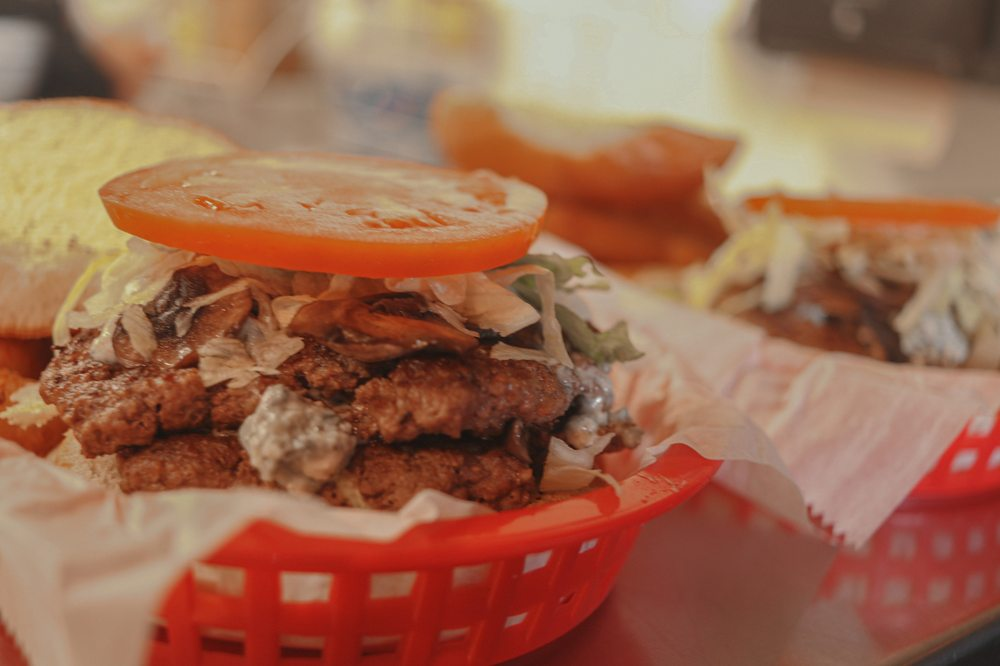 Beth's Burger Bar: 223 Wheelhouse Ln, Lake Mary, FL