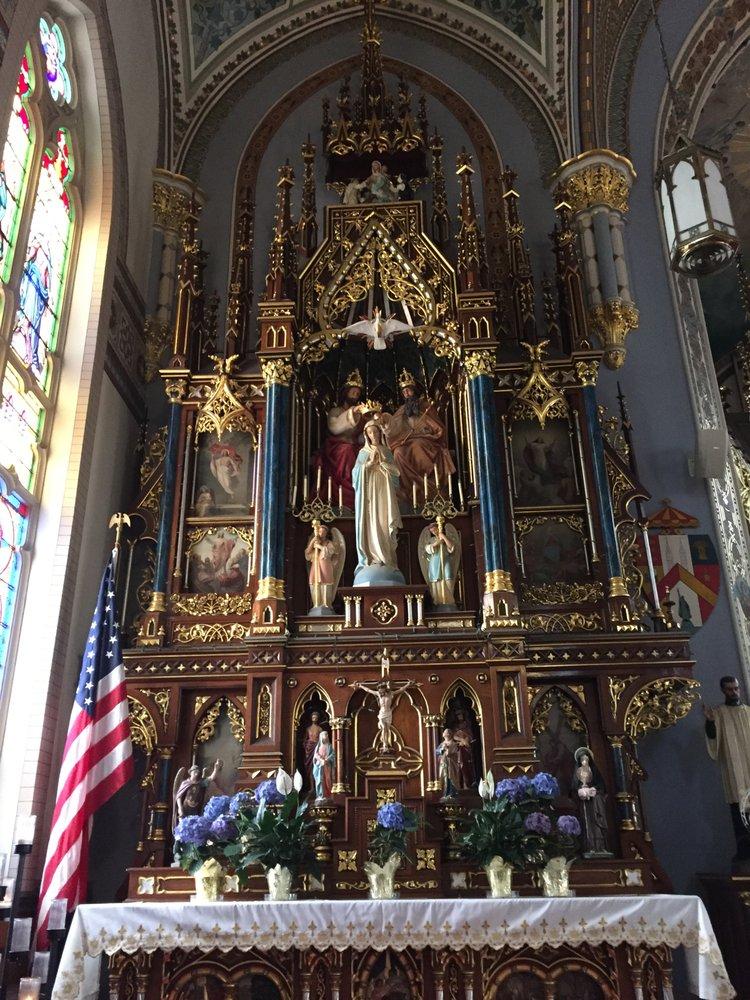 Basilica of Saint Francis Xavier: 104 3rd St SW, Dyersville, IA