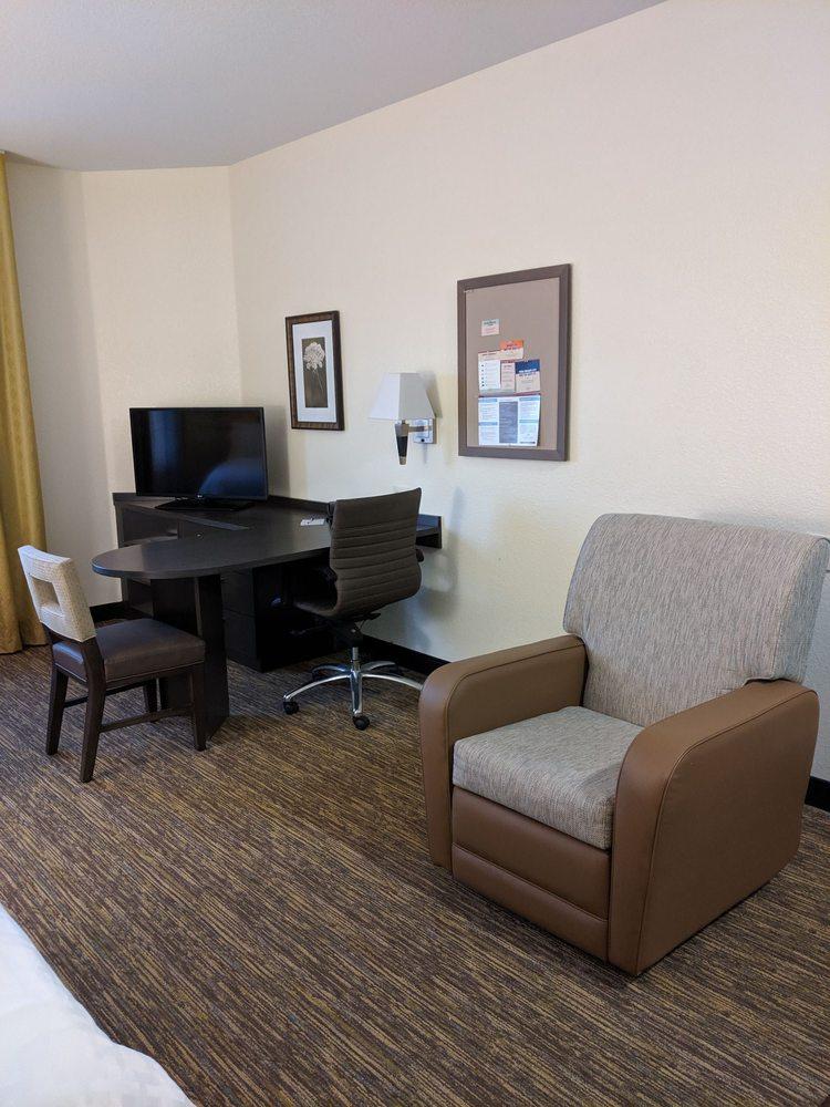 Candlewood Suites Bismarck: 4400 Skyline Crossings, Bismarck, ND