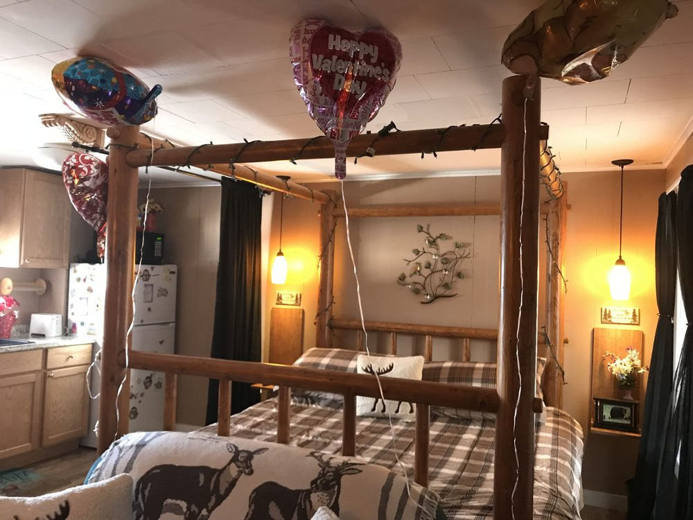Twin Mountain Cottages & Hostel: 371 US 3 S, Twin Mountain, NH