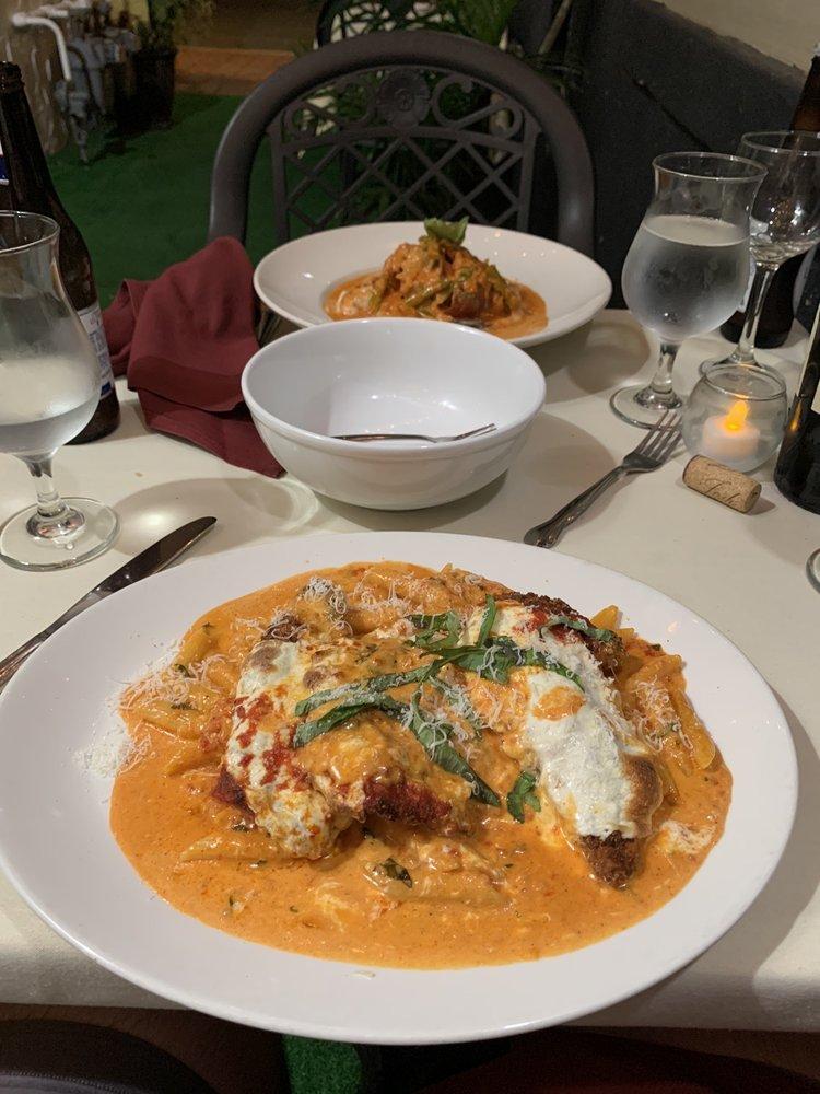 Gianna's Italian Restaurant: 122 Bay Ave, Highlands, NJ