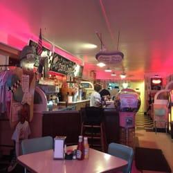 Dans Dogs Hot Dog Eatery Diner 77 Fotos Y 113 Reseñas