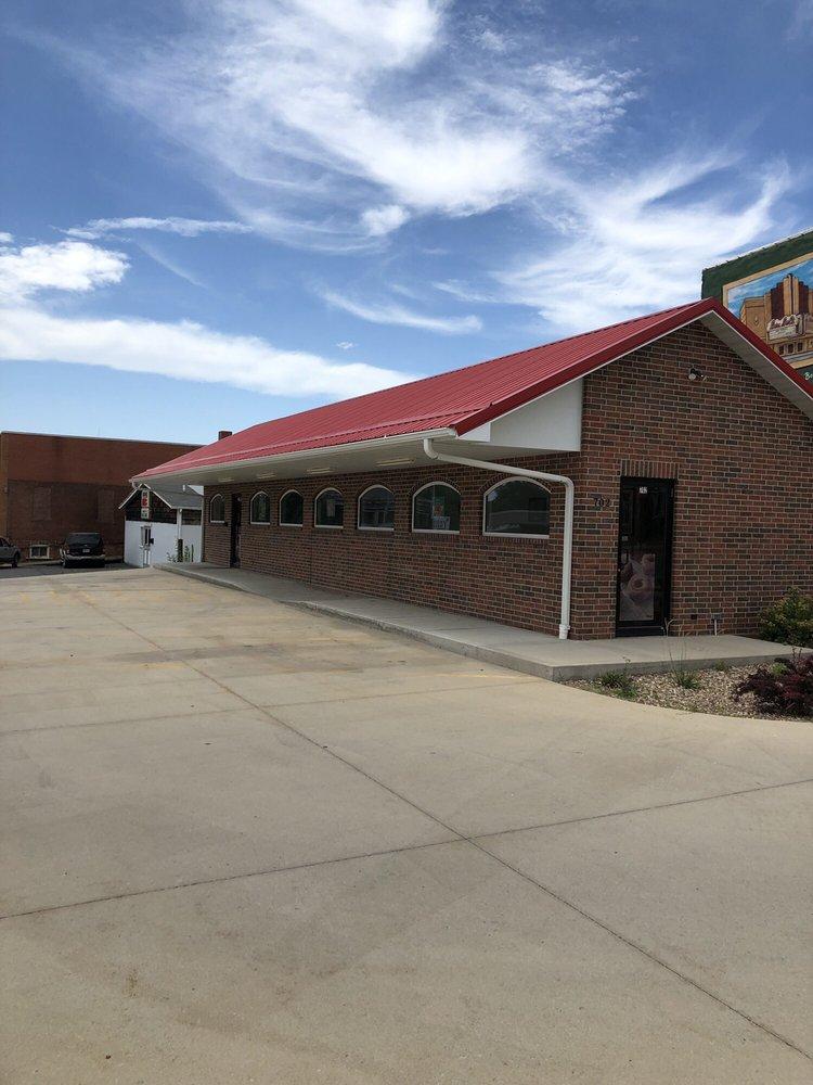 Donut Palace: 652-698 N Washington St, Chillicothe, MO