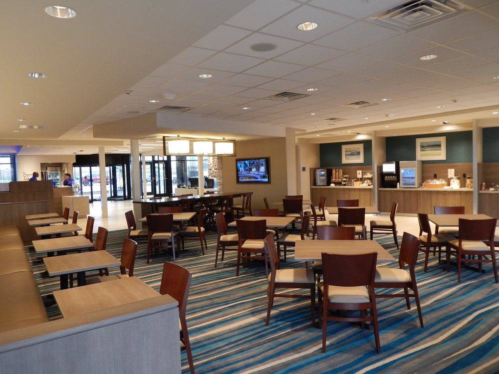 Fairfield Inn & Suites by Marriott Des Moines Altoona: 460 Bass Pro Dr NW, Altoona, IA