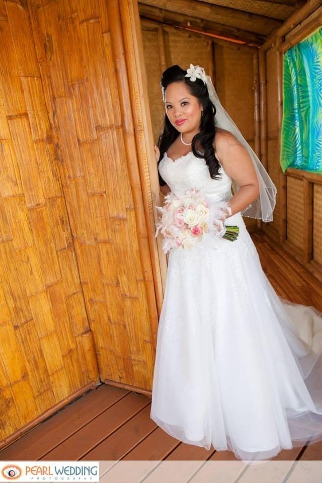 Bridal Gown Honolulu : Casablanca bridal formals photos reviews