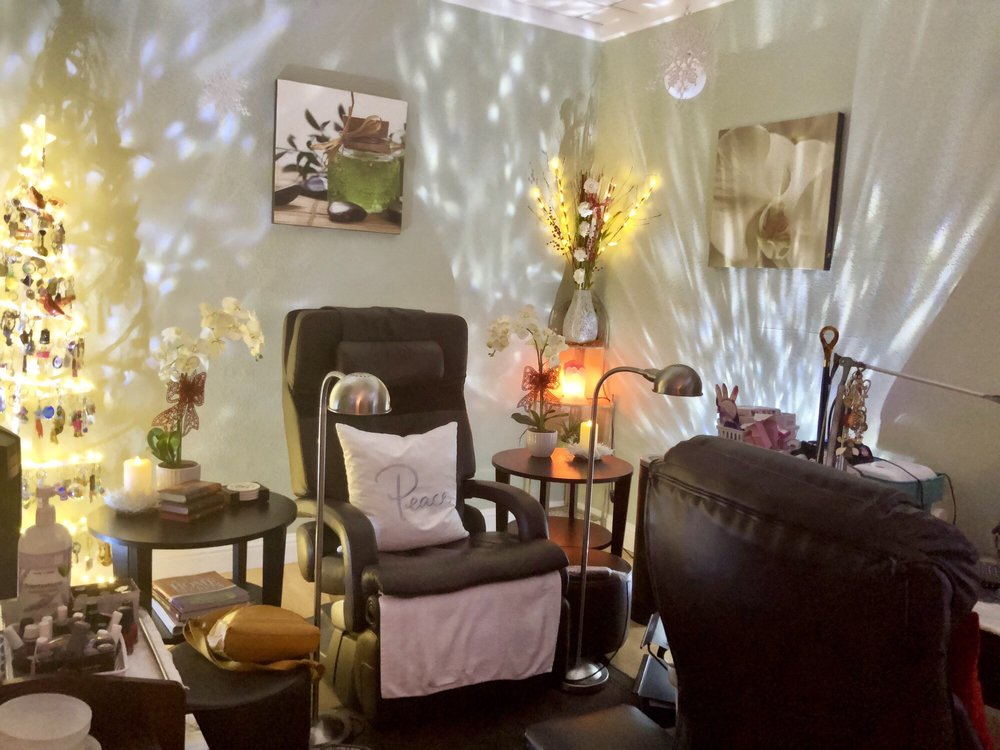 Relaxology Nails Spa: 17821 Countryside Ct, Prunedale, CA