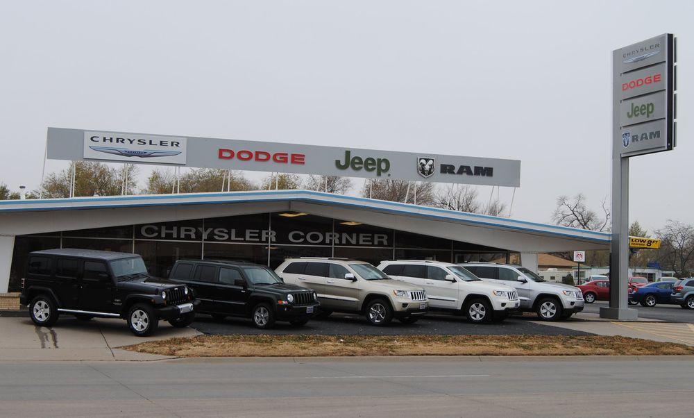 Chrysler Corner: 406 E Pancake Blvd, Liberal, KS
