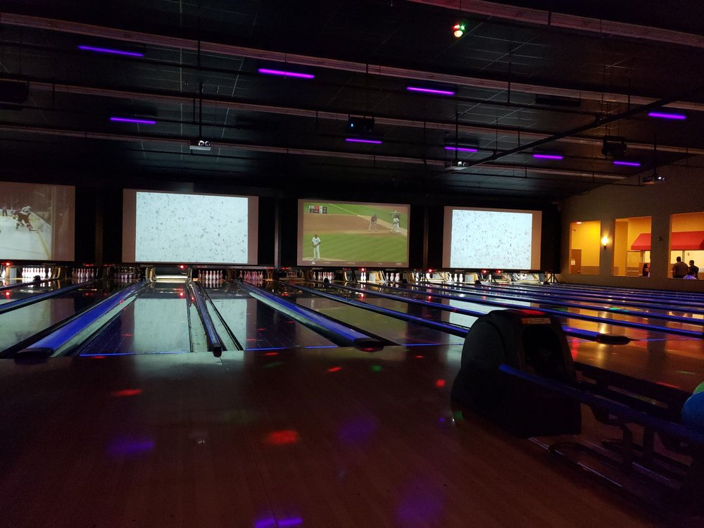 Colonial Bowling & Entertainment