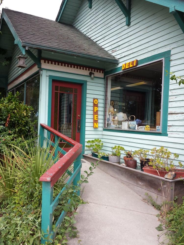 Mother's Natural Grocery & Deli: 975 2nd St SE, Bandon, OR