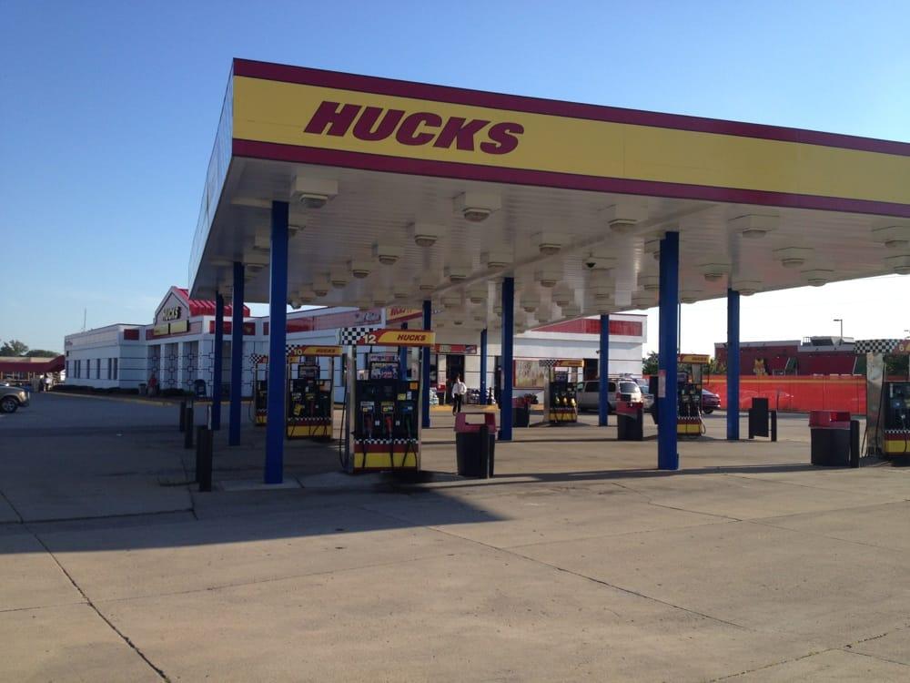 Hucks: 201 Main St, Mount Vernon, IL