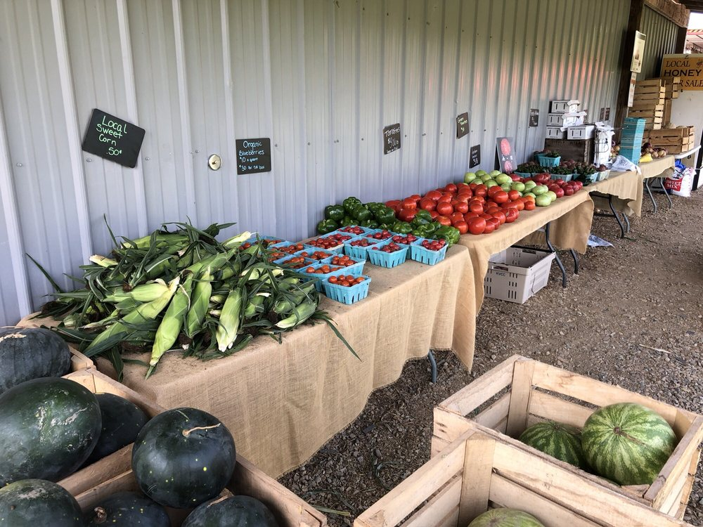 Soil Friends Farm & Market: 1701 N 33rd St, Galesburg, MI