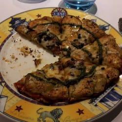 L'Est - Lyon, France. La Fameuse Pizza aux Légumes !
