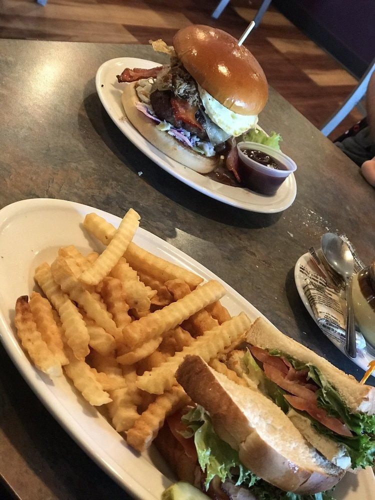 Landmark Restaurant: 130 W Evans St, Williamsburg, IA