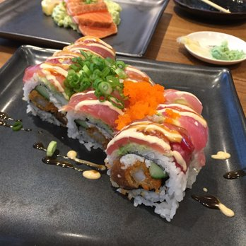 mikuni sushi rolls essay Home » mikuni chefs in battle of the sushi brothers: mikuni chefs in battle of the sushi brothers: photo essay made into sushi rolls with pink soy wrappers.