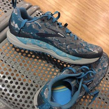 4fa737a35897 Road Runner Sports - 65 Photos   260 Reviews - Shoe Stores - 877 E ...